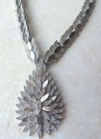 Vintage Art Metal Silver Tone Leaf Panel Necklace.